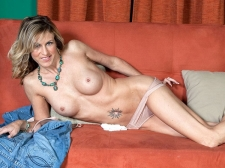 Gianna opens up, just for u!
