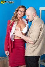 What can schlong sperm do for novice Lynn?