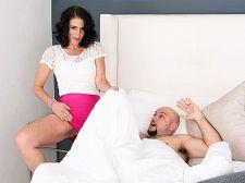 Keli Richards gets her mature wazoo pounded